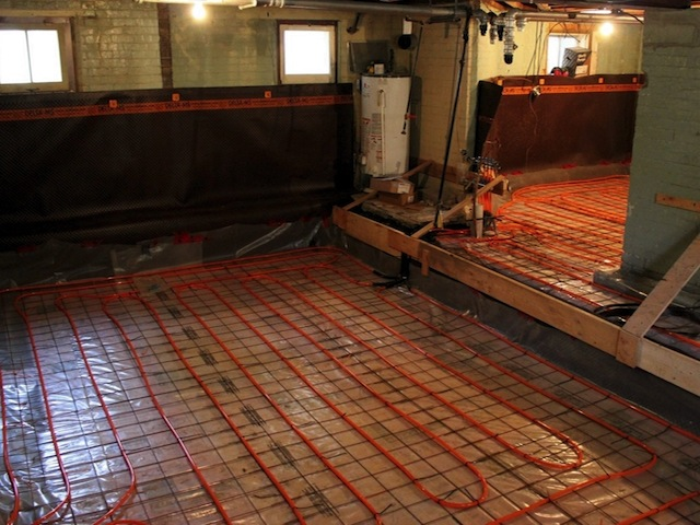 Radiant floor heating installation atomech Radiant floors